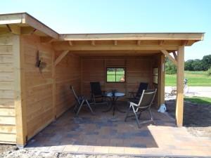 Op maat gemaakt: tuinhuis en garage (met schuifdeur) ineen